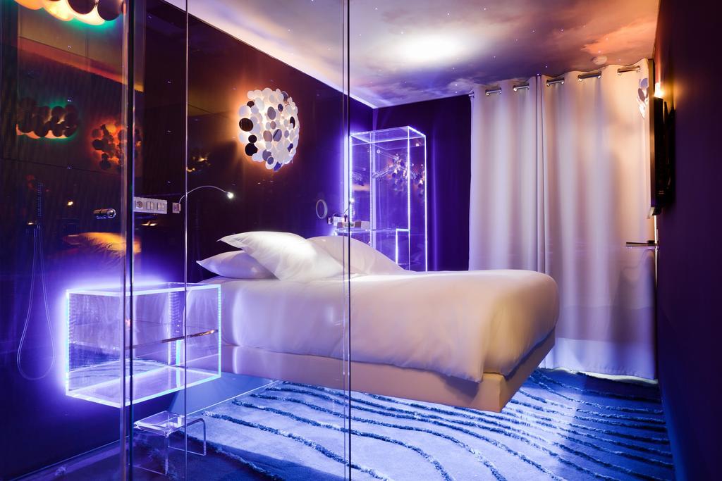 Seven Paris hotel gay friendly